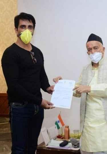 Sonu Sood's Pravasi Rojgar initiative